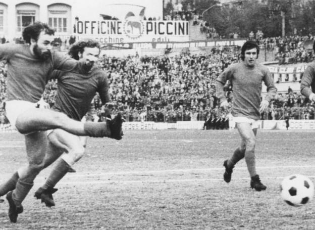 Paolo_Sollier_-_Associazione_Calcio_Perugia_1974-1975
